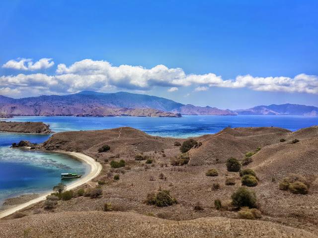 Pantai Gili Saba, Flores; Pantai Eksotis; Pantai Menawan