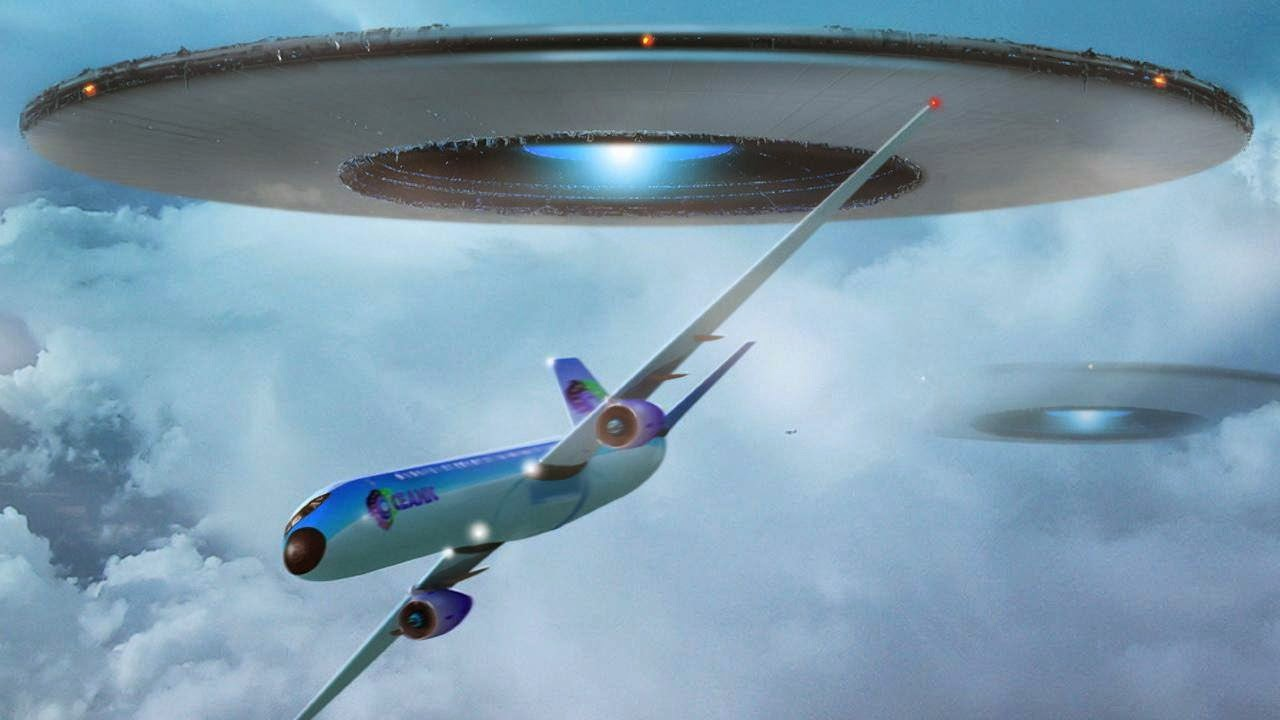 UFO save the plane