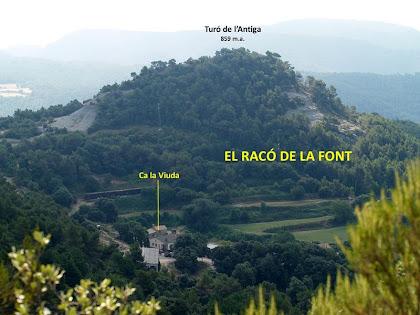 Panoràmica del veïnat del Racó de la Font i la vessant sud del Turó de l'Antiga des del Grau de la Font