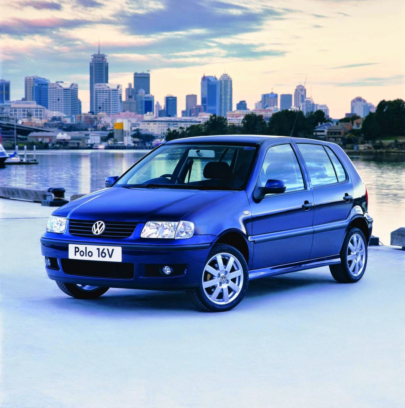 Volkswagen Polo 16v press photo at launch