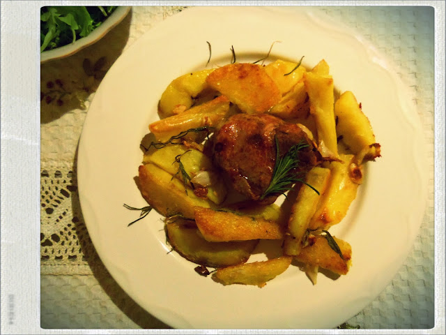beef steak with rosemary roasted potatoes
