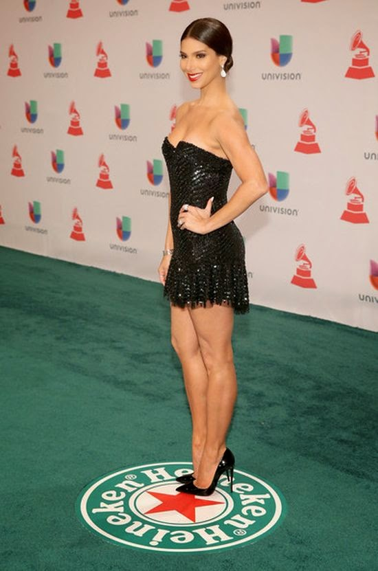 Hmm, we think this one is a miss, but (once again!) Rosely Sanchez looked more openly about her amazing figure in those dark short dress after the event.