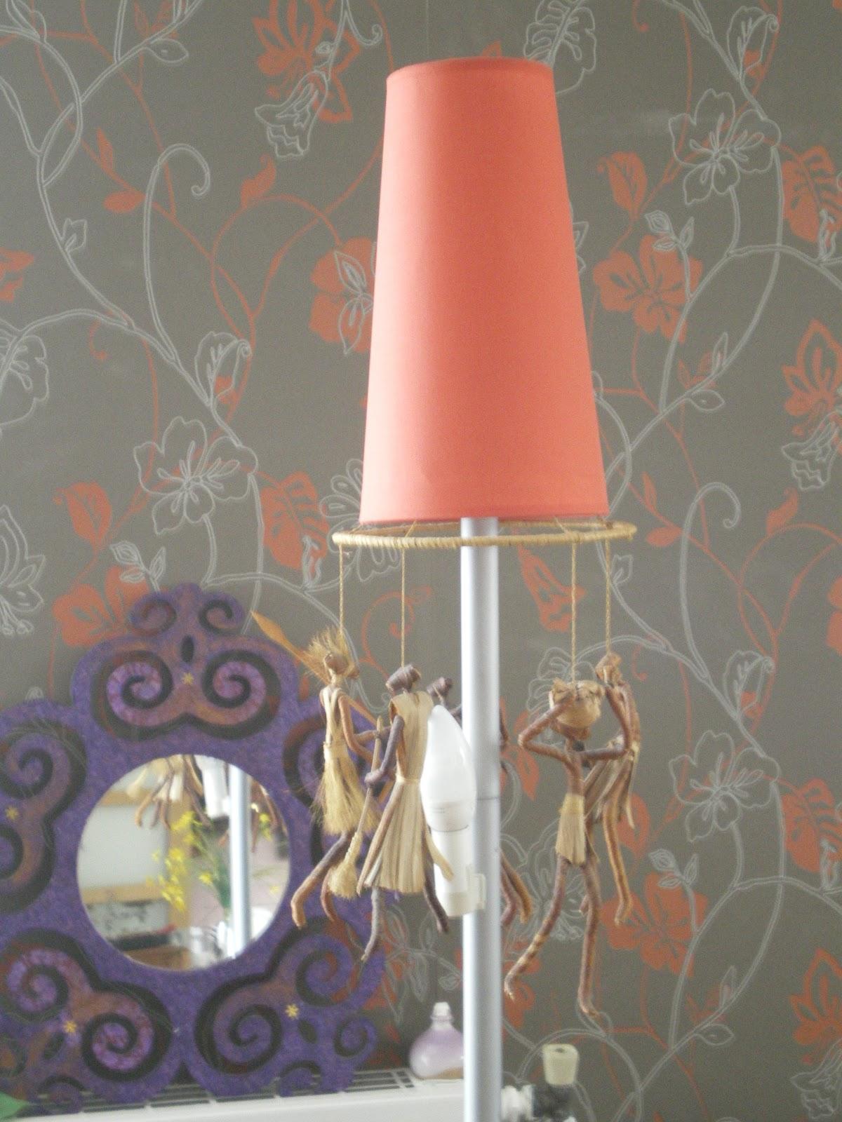 recup simple life lampadaire teint et d sesp r. Black Bedroom Furniture Sets. Home Design Ideas