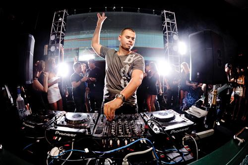 DJ Afrojack sẽ đến Việt Nam vào tháng 6