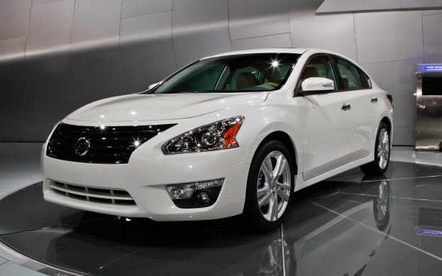 2013 Nissan Altima Front Side