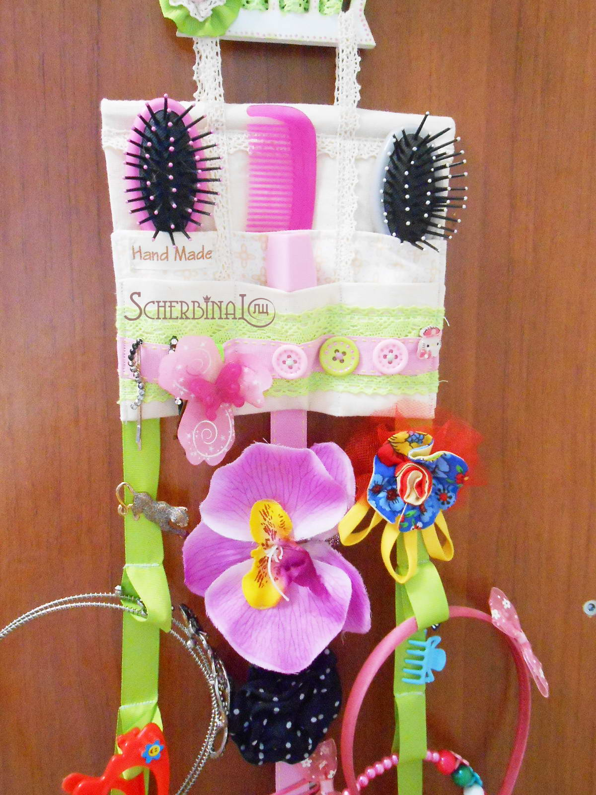 Как хранить заколки и резинки для волос