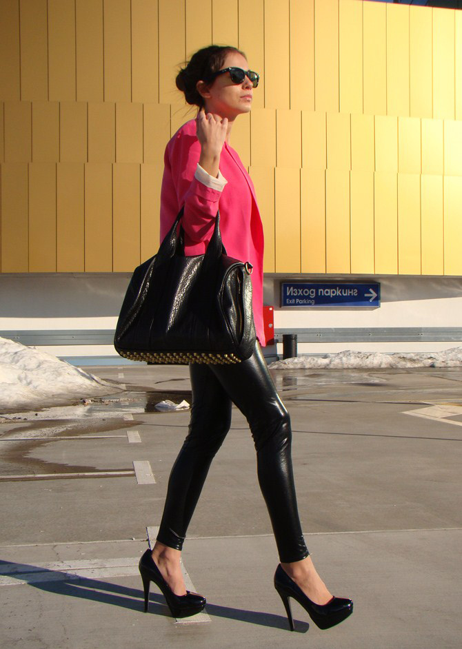 zara hot pink blazer, how to wear pink blazers, fashion bloggers wearing colorful blazers, the colorful blazers trend