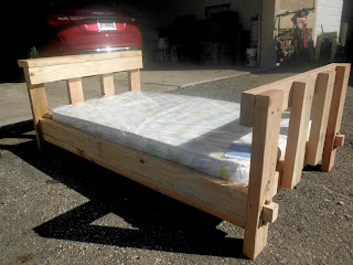 DIY toddler bed from 2x4 crib mattress