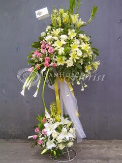 bunga papan jakarta, bunga standing duka cita, karangan bunga salib, krans bunga duka cita, toko bunga dijakarta, florist jakarta,