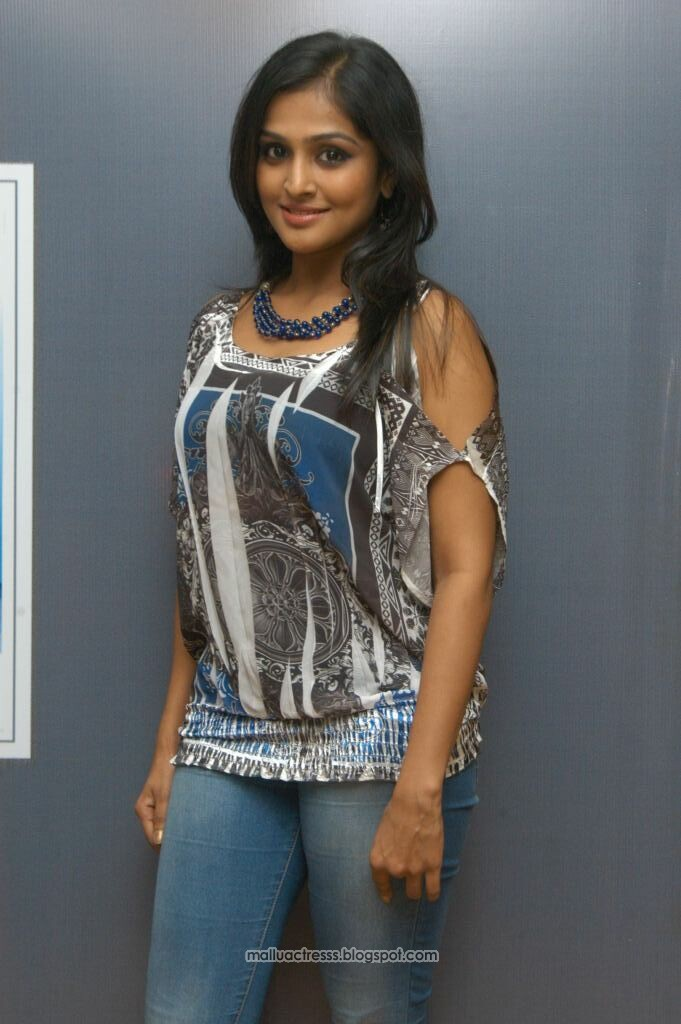 Malayalam Actress Remya Nambeesan Hot Photoshoot Stills