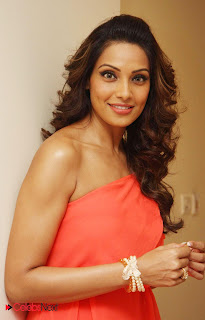 Bipasha Basu Latest Pictures in One Shoulder Mini Dress at CCL 3 Press Meet ~ Celebs Next