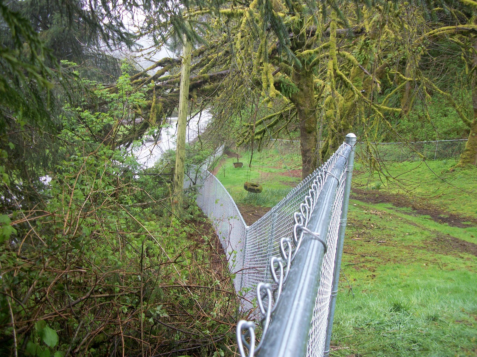 how to fix a fence that& 39