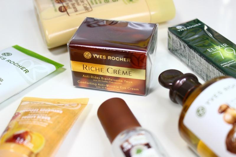 Zakupy YVES ROCHER, krem pod oczy intensywnie regenerujący Riche Creme Yves Rocher, kawowy żel pod prysznic Jardins du Monde, peeling Morelowy Yves Rocher, Odżywka do włosów suchych z wyciągiem z owsa, żel pod prysznic z olejkiem arganowym Bio,roll-on pod oczy Elixir 7.9, Woda Toaletowa Purple Lilac, Olejek odbudowujący do włosów Yves Rocher, kawowy żel pod prysznic Jardins du Monde