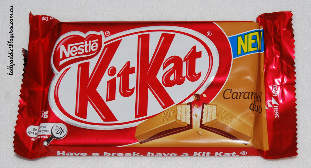 Lolly addict australian confectionery reviews kit kat caramel duo it still has the bright red easily reconisable background and bit kit kat logo voltagebd Images