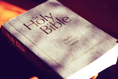Should Christian Read The Holy Bible?