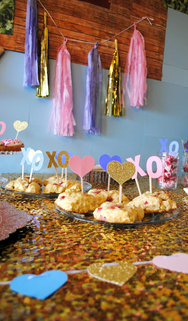 Galentine's Day brunch table by Fizzy Party