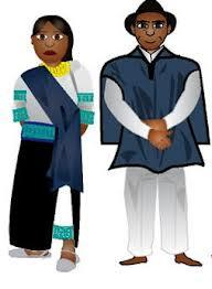 La mujer indigena utiliza una blusa blanca con encajes y bordada con diferentes diseños y colores. Utiliza dos anacos  uno de color blanco y otro negro o