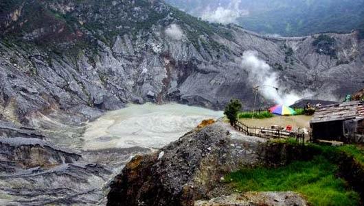 Wisata Kawah Gunung Tangkuban Perahu