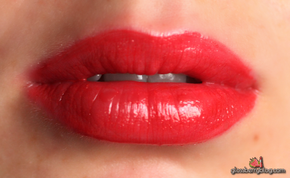 Dior Rouge Brilliant / דיור רוז' בריליאנט 999 review swatches gloss red gold lipswatch בלוג איפור וטיפוח גלוס אדום
