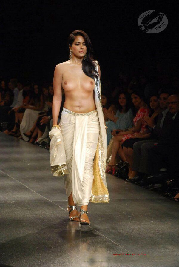 sameera reddy boobs visible on ramp walk