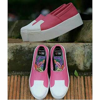 Sepatu Adidas Warna Pink
