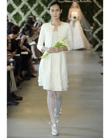 The Short Wedding Dress With Jacket Is Very Suitable For Winter Weddings