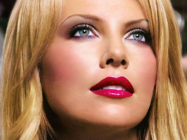 The World's Highest Paid Actresses No. 5 Charlize Theron - Pics 1