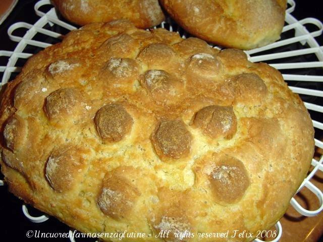 Un vecchio pane integrale un cuore di farina senza glutine for Aspetto rustico