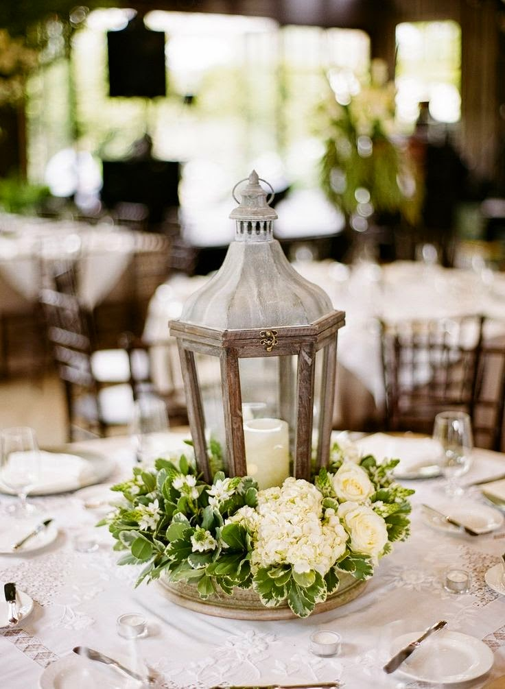 Beautiful bridal lantern wedding centerpieces for Wedding floral centerpieces