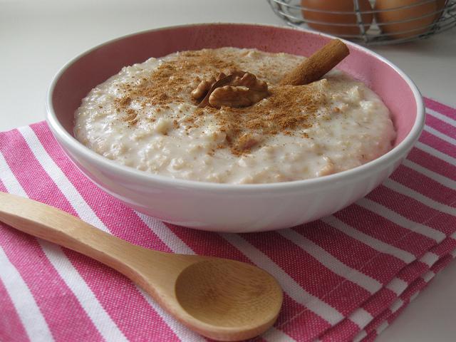 chávenas de leite Magro 3 colheres de sopa de açúcar / adoçante ...