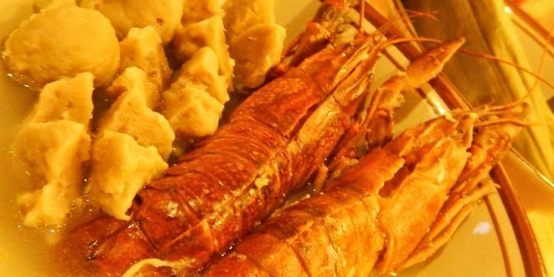 Kuliner Baso Lobster Banyuwangi ala anak band.