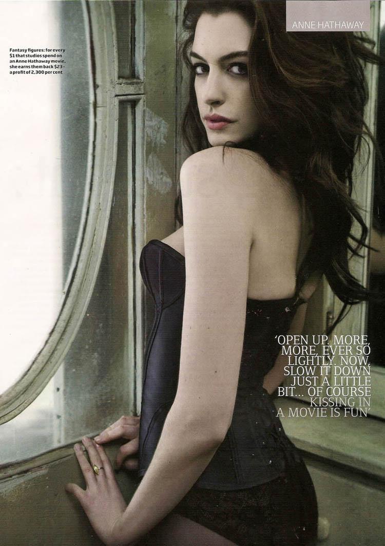 Anne Hathaway Hair 15