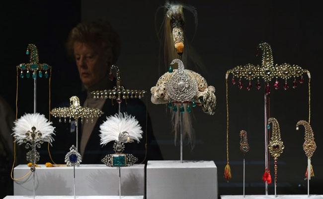 'Italian Job': Jewels Worth Millions Of Euros Stolen From Italy Palace