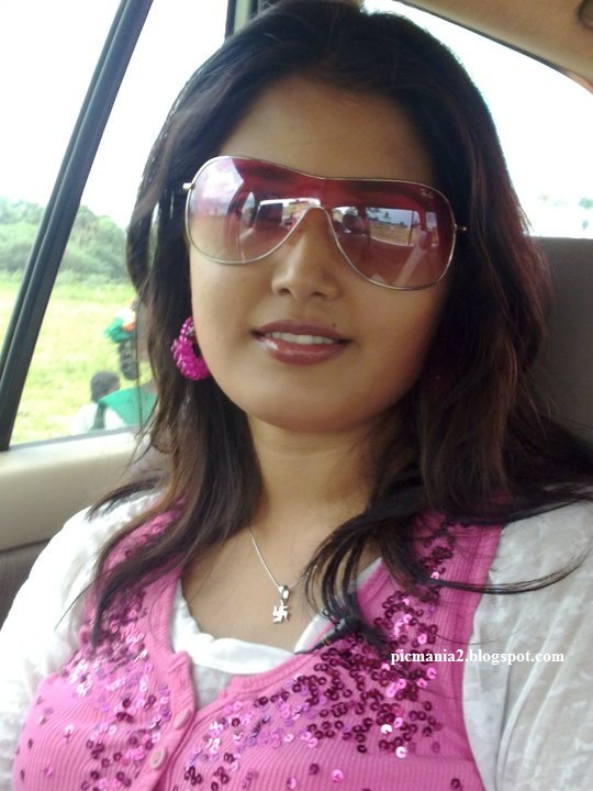 kiran tv anchor mallu malayalam actress sandra jose hot sexy images