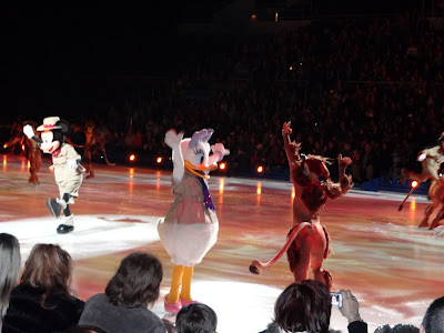 Wordless Wednesday: Mickey and Minnie Disney on Ice