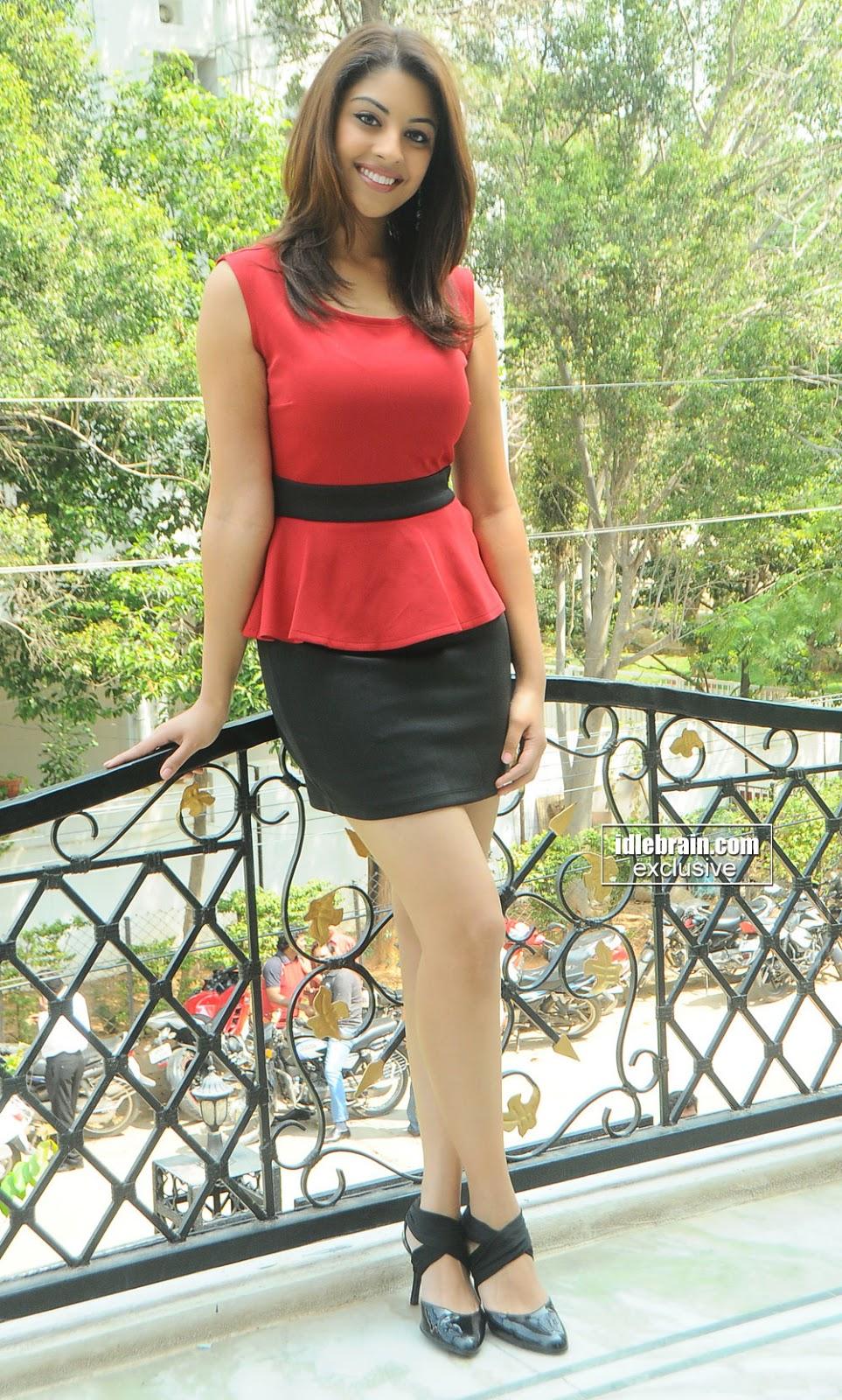 Richa Gangopadhyay short skirt