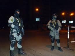 قوات الشرطة تستعين بقوات الكوماندوز المصرية الان برابعه العدويه للقبض علي قيادات الاخوان …؟؟
