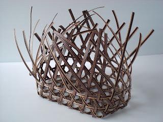 和風を楽しむエコクラフト かごとかご雑貨 P18 麻の葉編みの楕円のかご1
