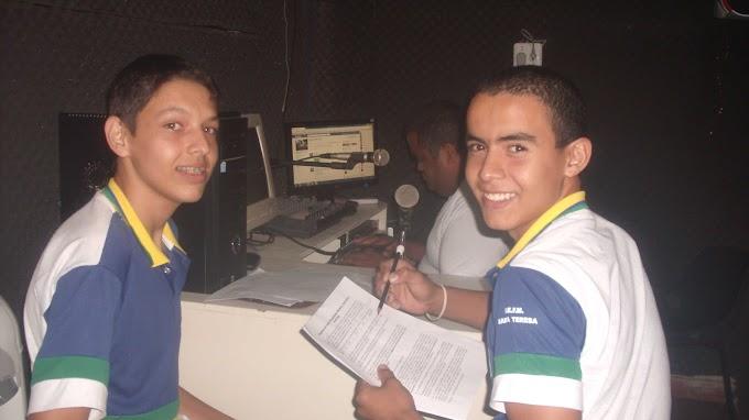 Escola Santa Tereza participa de projeto da Rádio AltaneiraFM