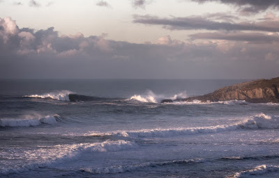 Fistral Beach, waves, coastline