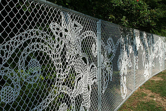 Cyclone How to make a chain link fence beautiful Balcony Garden