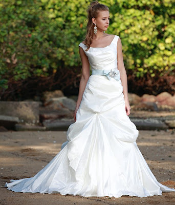 Dawn j 39 s fashion wedding gown the good wedding dresses for us for Wedding dress large bust small waist