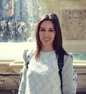 Aurora Toma  30 ani / România Contact:tomaaurora3@gmail.com