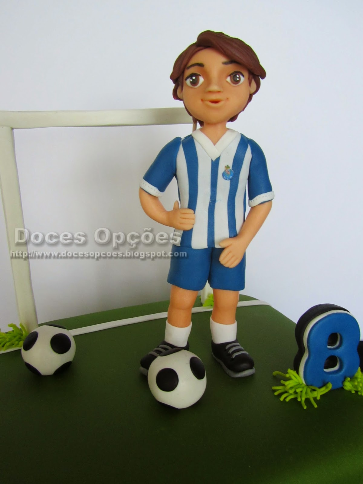 cake football player