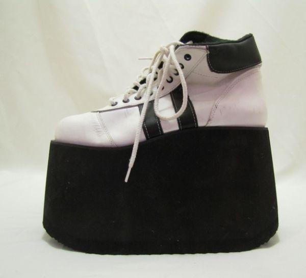Imagenes de modas de los a os 80 zapatillas originales for Zapatillas paredes anos 90