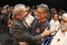 Milhares de militantes, artistas e intelectuais participaram de manifestação com ex-presidente Lula