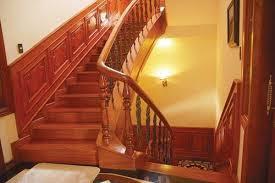 Hình ảnh thực tế 1 cầu thang gõ đỏ đẹp