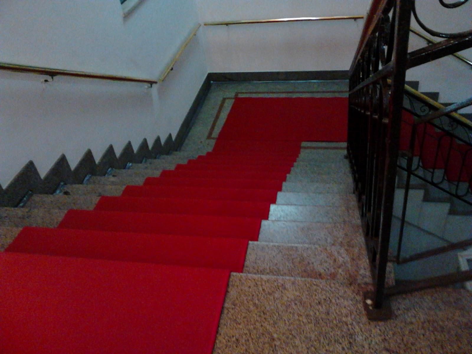 Alugo tapete passadeira para escadas!