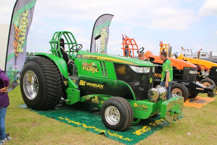 Pro Stock Pulling Tractors : Tractor pulling news pullingworld the new mud patrol
