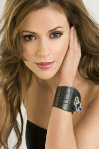 Alyssa Milano Follows Geno's World On Twitter